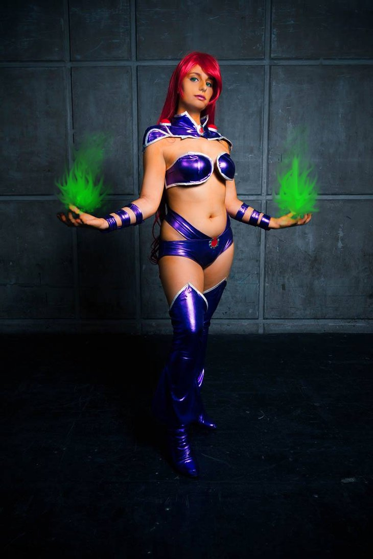 21 Starfire Cosplays That Look A Thousand Times Better Than The