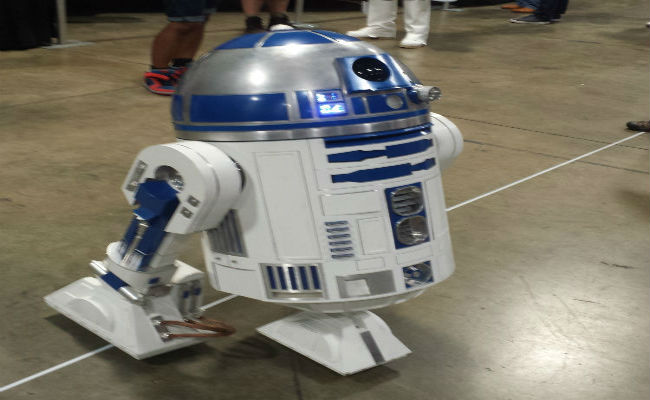 R2 Builders Club R2-D2 at AwesomeCon 2015 Washington D.C.