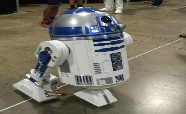 R2 Builders Club R2-D2 at AwesomeCon 2015 Washington D.C.