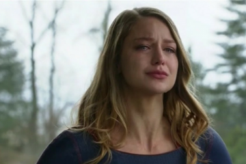 Sad Supergirl