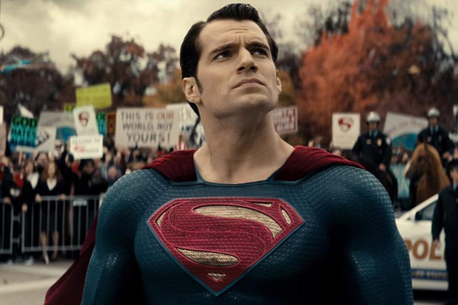 """Henry Cavill in """"Batman v Superman: Dawn of Justice"""" - Warner Bros."""