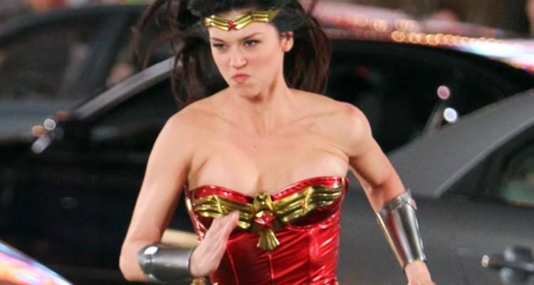 Screenshot of Adrianne Palicki in Wonder Woman pilot